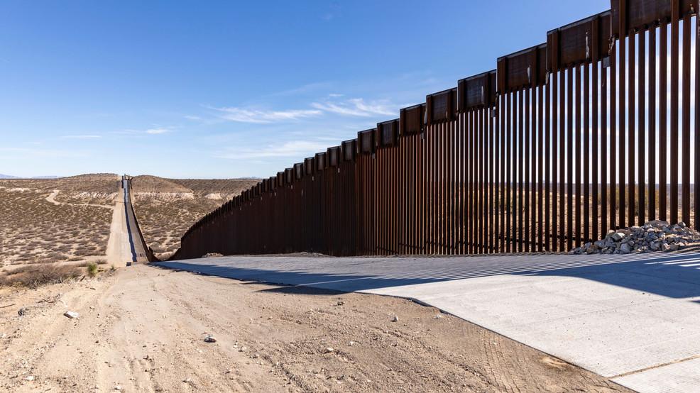 Border wall in El Paso (credit: CBP Acting Commissioner Mark Morgan/Twitter)